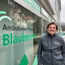 Florian Schrems vor dem Büro im Gesundheitszentrum Blaubeuren